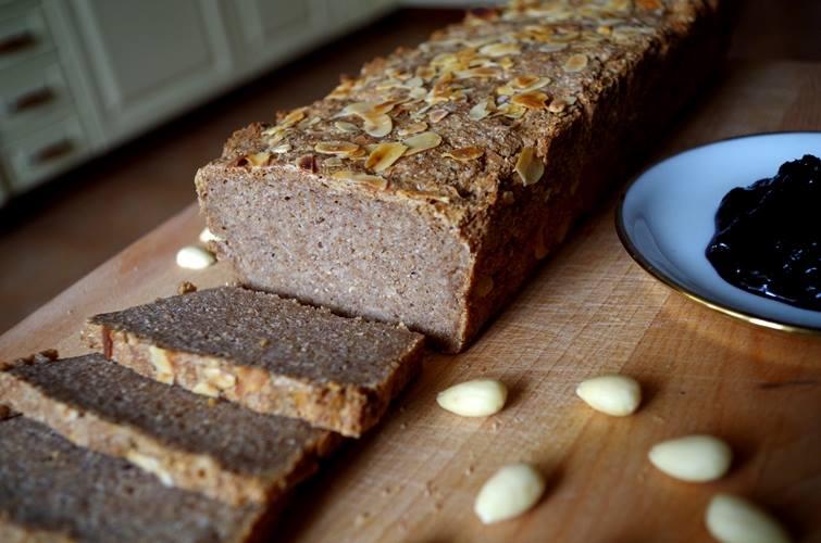 Chleb z migdałami